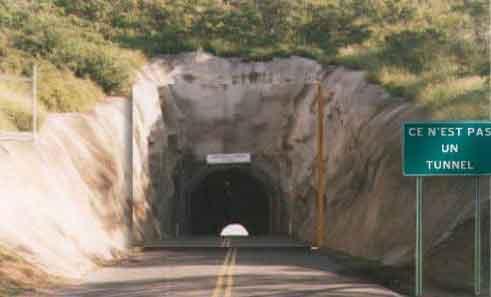 Cartoon Tunnel Illusion