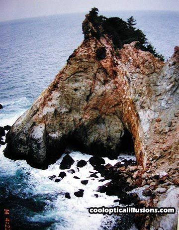 Peninsula or Horse's Head?